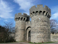 Cooling Castle gate towers